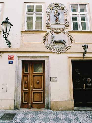 Front door of building - Prokopska | Apartments in Prague